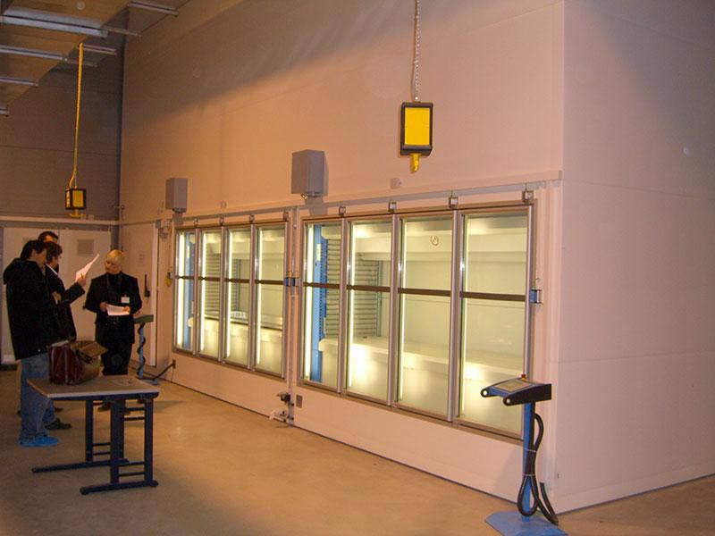 Glasentnahmetüren mit Luftschleieranlage